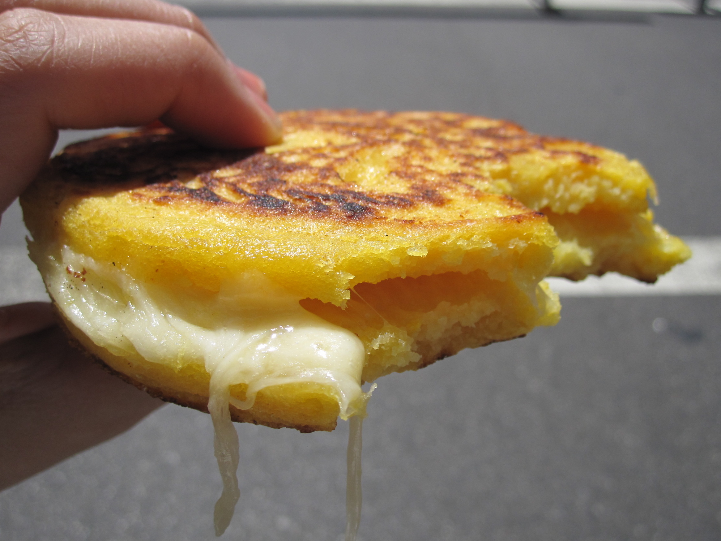 arepas with cheese
